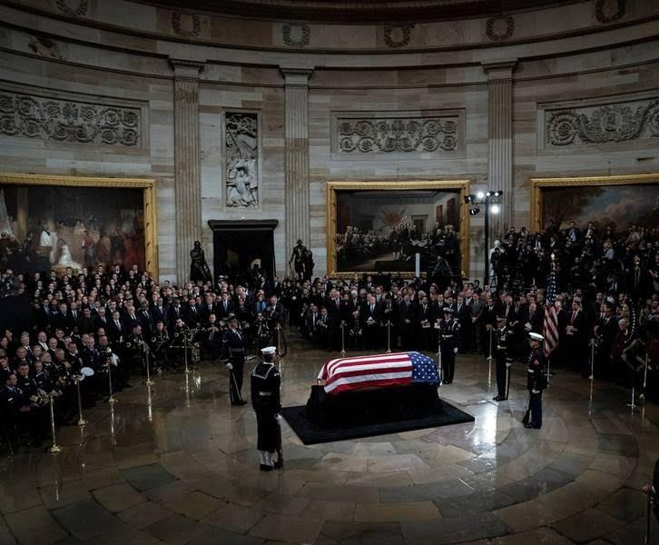 تابوت بوش 5 - تصاویر/ تابوت ایچ دبلیو بوش در کانگرس امریکا