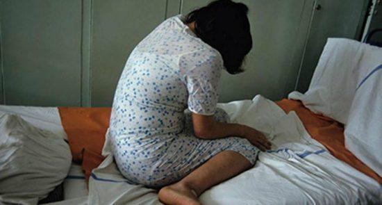 زن 550x295 - نقش مشاور بن سلمان در شکنجه زن عربستانی