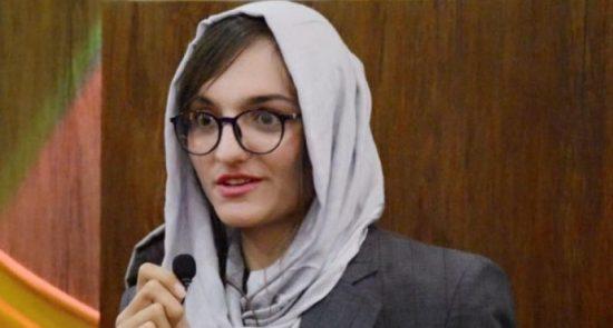 ظریفه غفاری 550x295 - اولین شاروال زن افغانستان در انتظار ترور خود می باشد!