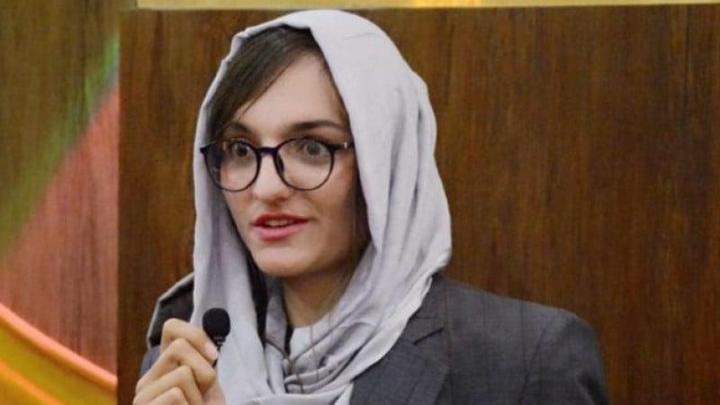 ظریفه غفاری - اولین شاروال زن افغانستان در انتظار ترور خود می باشد!