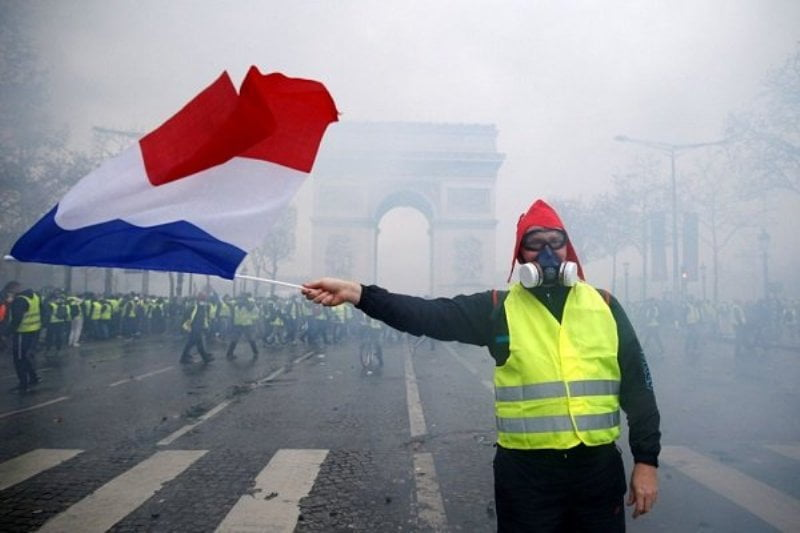 فرانسه 2 - تنفس واسکت زردها در 17 امین شنبه اعتراضات؛ در انتظار هفته آینده