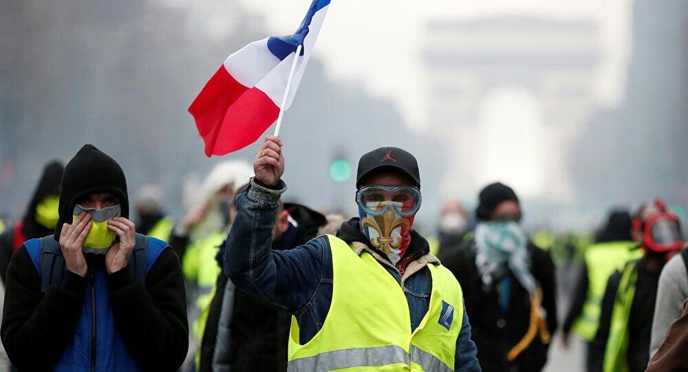 واسکت زرد 5 - تصاویر/ تجمع واسکت زردهای فرانسوی در سرک ها