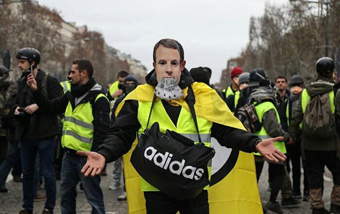 واسکت زرد 6 - تصاویر/ تجمع واسکت زردهای فرانسوی در سرک ها