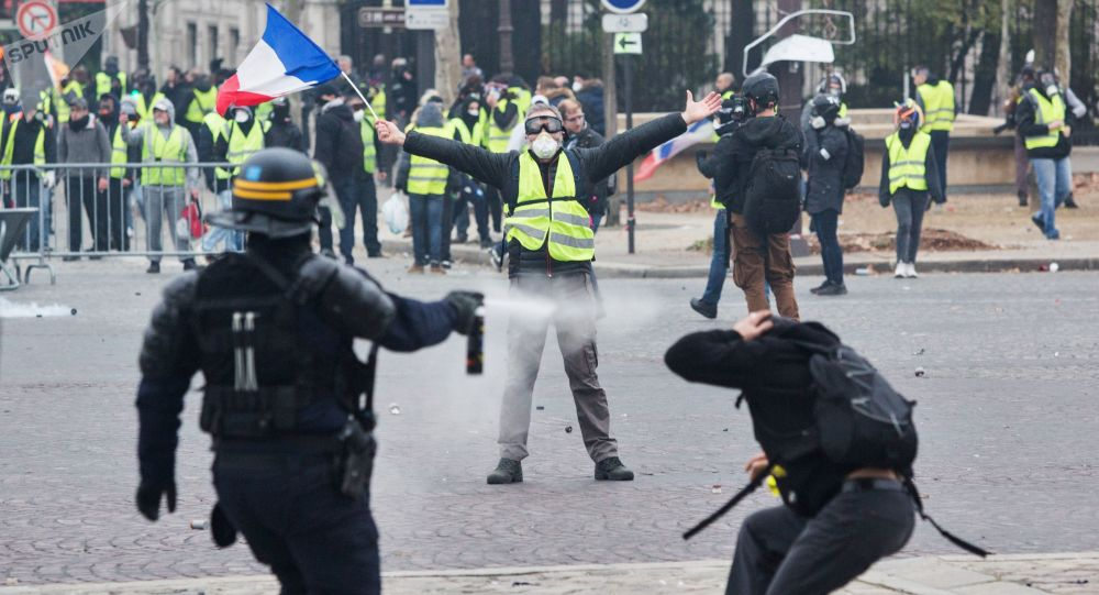 واسکت زرد - لشکرکشی پولیس فرانسه برای مقابله با مردم!