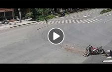 ویدیو رفتار عجیب دریور لاری تصادف 226x145 - ویدیو/ رفتار عجیب دریور لاری پس از تصادف!