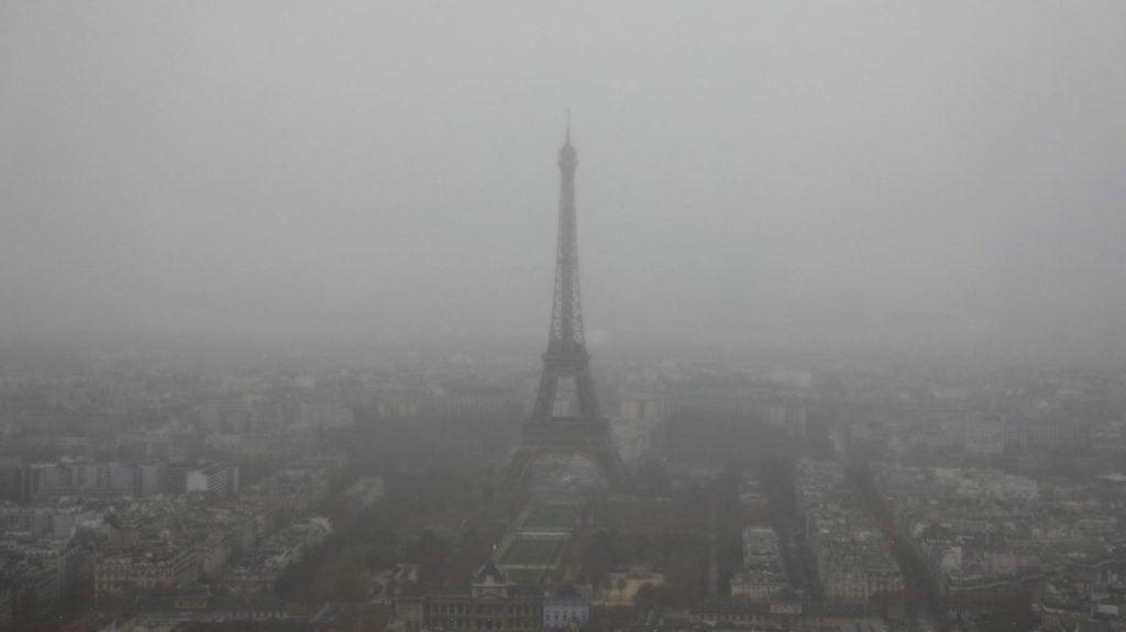 پاریس 1 1024x575 - تصاویر/ پاریس غرق در دود و آتش