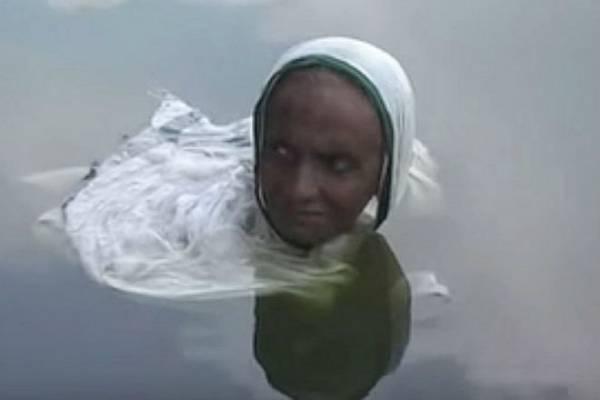 پری دریایی 2 - زنی که تبدیل به پری دریایی شد! + عکس