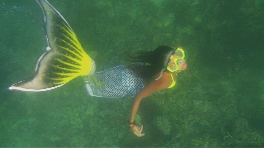 پری دریایی - زنی که تبدیل به پری دریایی شد! + عکس