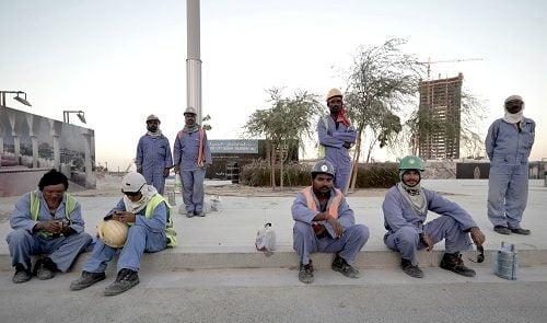 کارگران افغان 500x295 - اعزام کارگران افغان به امارات متحدۀ عربی