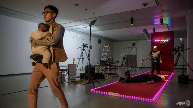 کیم جونگ اون1 - تصاویر/ نمایش کشتهشدن ترمپ به دست کیم جونگ اون!