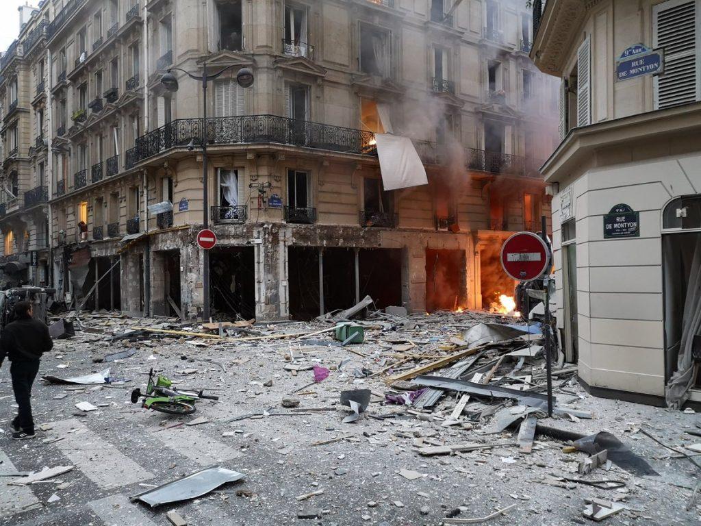 انفجار فرانسه 2 1024x768 - تصاویر/ انفجار مهیب در پایتخت فرانسه