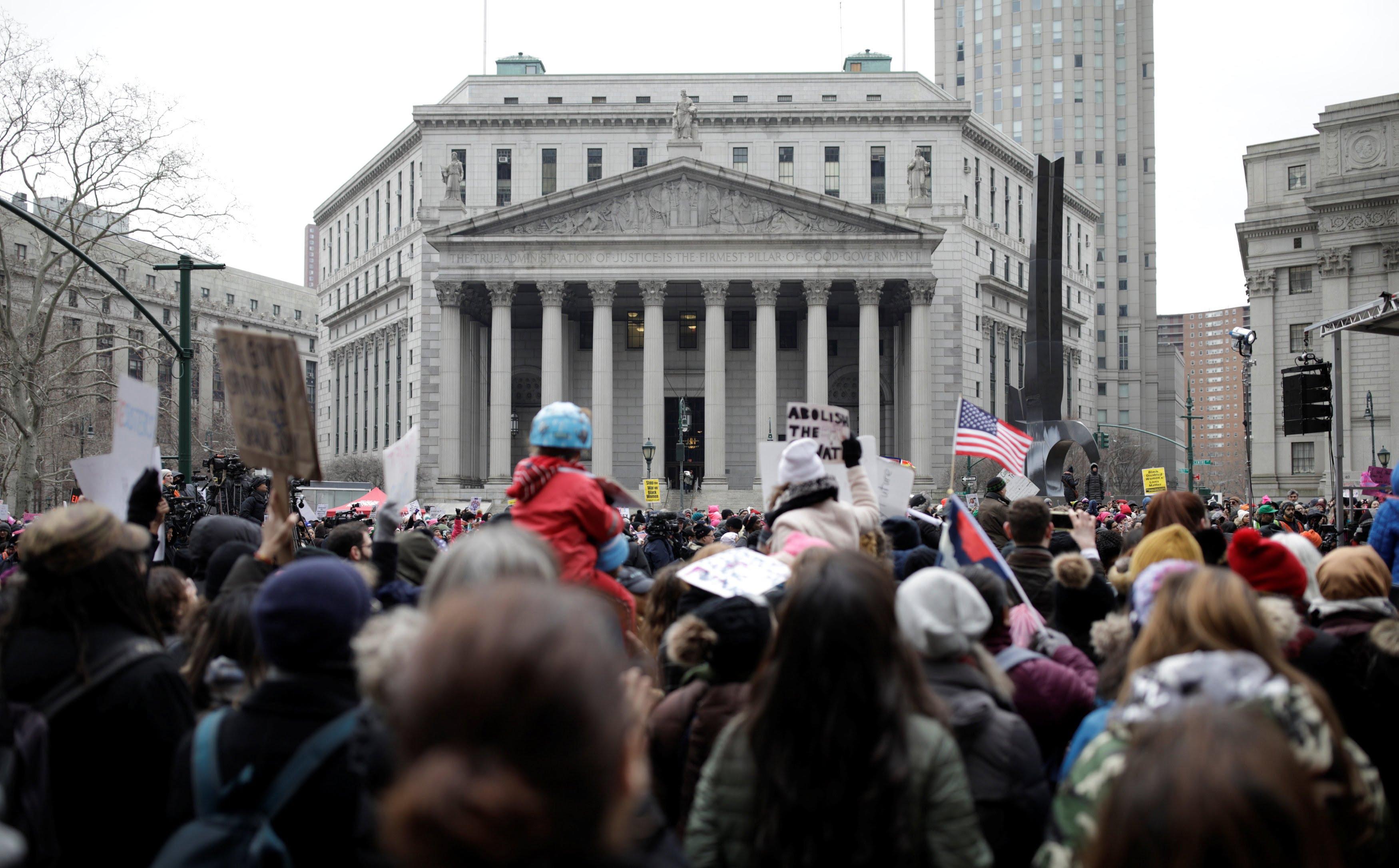 تظاهرات امریکا 10 - تصاویر/ تظاهرات صدها هزار زن امریکایی علیه ترمپ