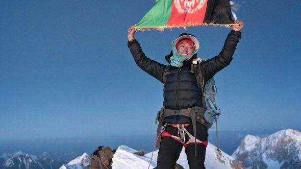 حنیفه  - اولین دختر افغان بر بالای بلندترین قله افغانستان