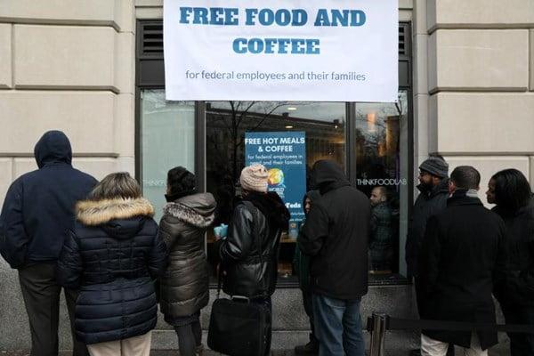 فقر کارمندان فدرال امریکا 3 - تصاویر/ فقر شدید کارمندان دولت فدرال امریکا