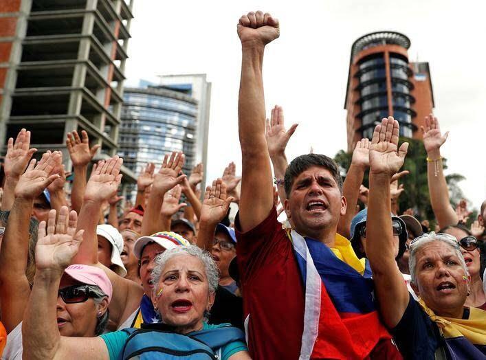 ونزویلا 15 - تصاویر/ آشوب در ونزویلا