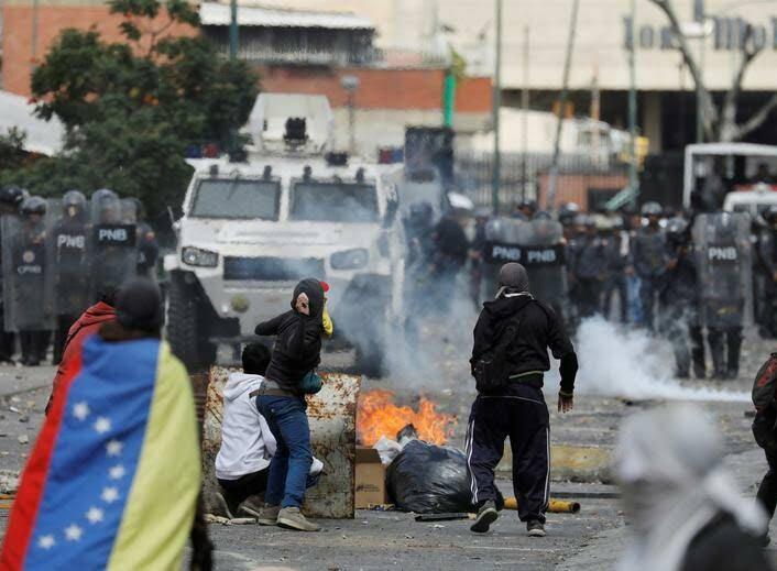 ونزویلا 7 - تصاویر/ آشوب در ونزویلا