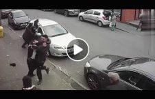 ویدیو درگیری شدید سرک بریتانیا 226x145 - ویدیو/ درگیری شدید در سرکهای بریتانیا
