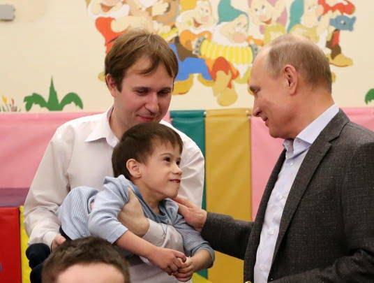 پوتین در شفاخانه 3 - تصاویر/ پوتین در شفاخانه اطفال