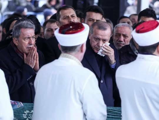 اردوغان 10 - تصاویر/ رییس جمهور ترکیه زیر تابوت