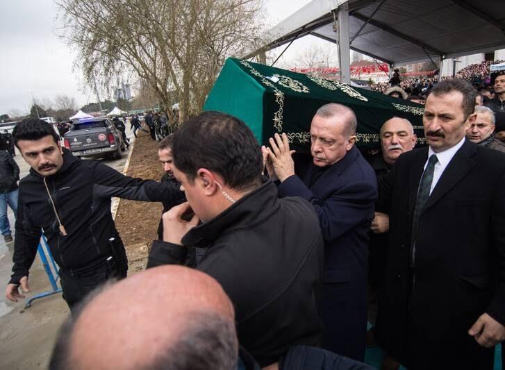 اردوغان 6 - تصاویر/ رییس جمهور ترکیه زیر تابوت