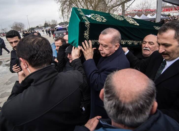 اردوغان 8 - تصاویر/ رییس جمهور ترکیه زیر تابوت