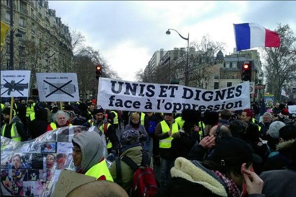 تظاهرات در فرانسه3 - تصاویر/ دوازدهمین شنبه تظاهرات در فرانسه