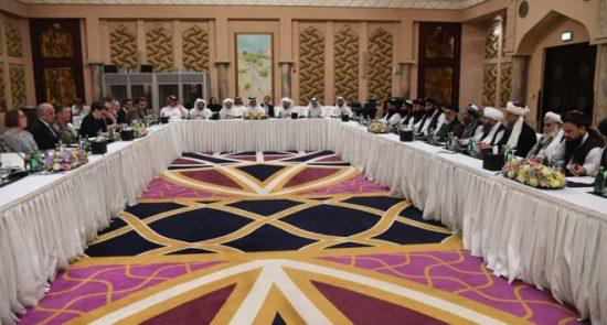 طالبان قطر 550x295 - انتقاد عضو ارشد دیده بان حقوق بشر از توافق یکجانبه امریکا با طالبان
