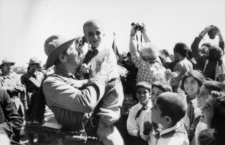 عساکر ارتش سرخ شوروی 10 - تصاویر/ خروج آخرین عساکر ارتش سرخ شوروی از خاک افغانستان