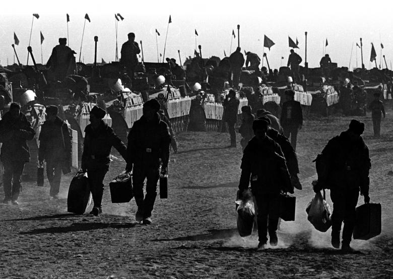 عساکر ارتش سرخ شوروی 14 - تصاویر/ خروج آخرین عساکر ارتش سرخ شوروی از خاک افغانستان