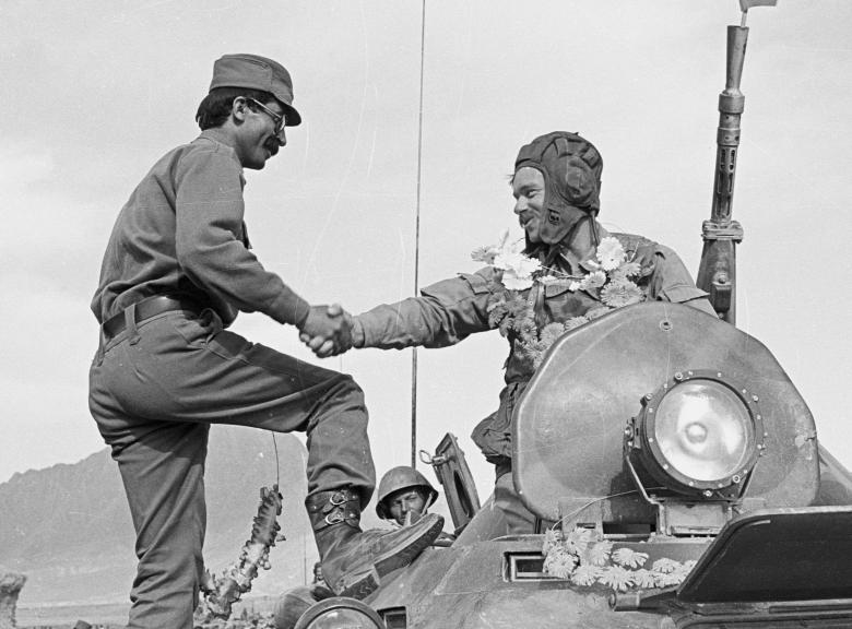 عساکر ارتش سرخ شوروی 15 - تصاویر/ خروج آخرین عساکر ارتش سرخ شوروی از خاک افغانستان