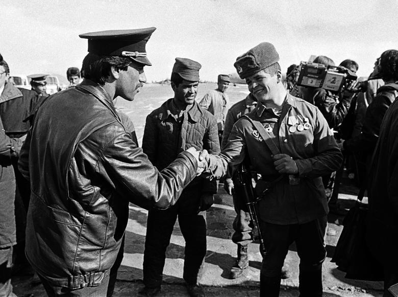 عساکر ارتش سرخ شوروی 16 - تصاویر/ خروج آخرین عساکر ارتش سرخ شوروی از خاک افغانستان