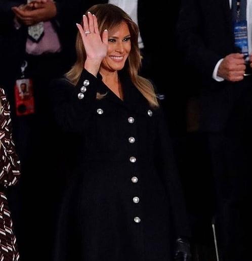 ملانیا ترمپ - تصویر/ لباس متفاوت ملانیا در سخنرانی سالانه رییس جمهور امریکا