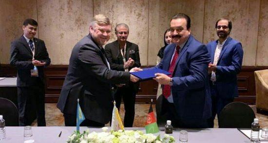 افغانستان و قزاقستان 550x295 - امضاء تفاهمنامه همکاری میان کمیته ملی المپیک افغانستان و قزاقستان
