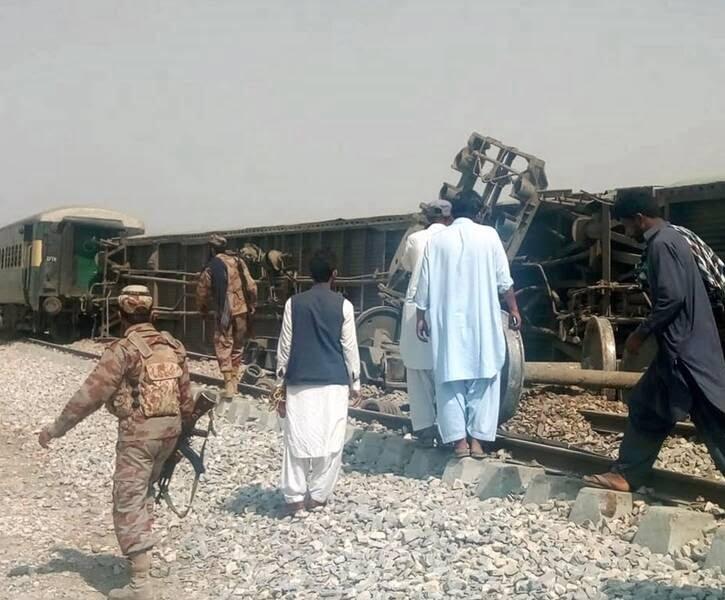 انفجار پاکستان1 - تصاویر/ انفجار در پاکستان