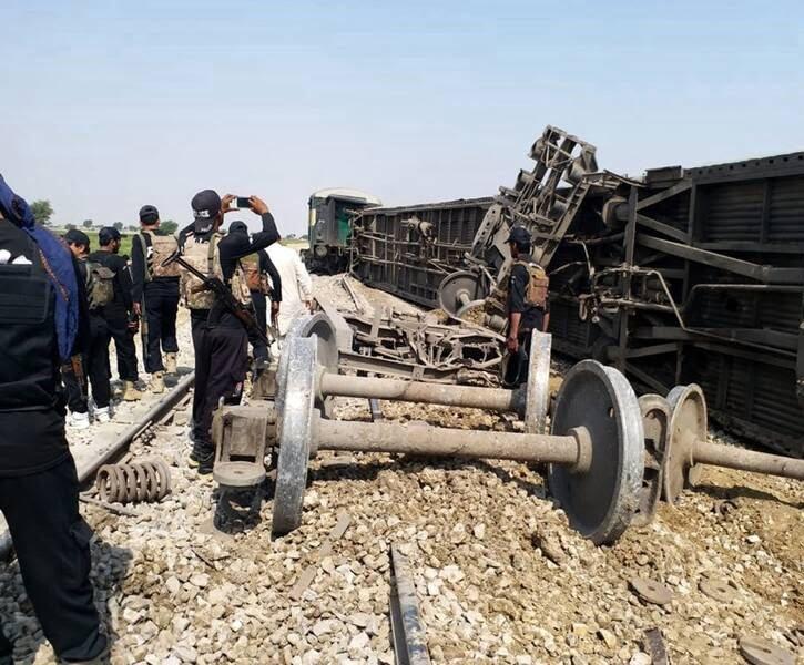 انفجار پاکستان3 - تصاویر/ انفجار در پاکستان