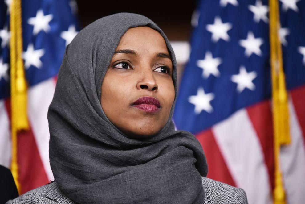 ایلهان عمر - پاسخ نماینده زن مسلمان به تویت اخیر ترمپ