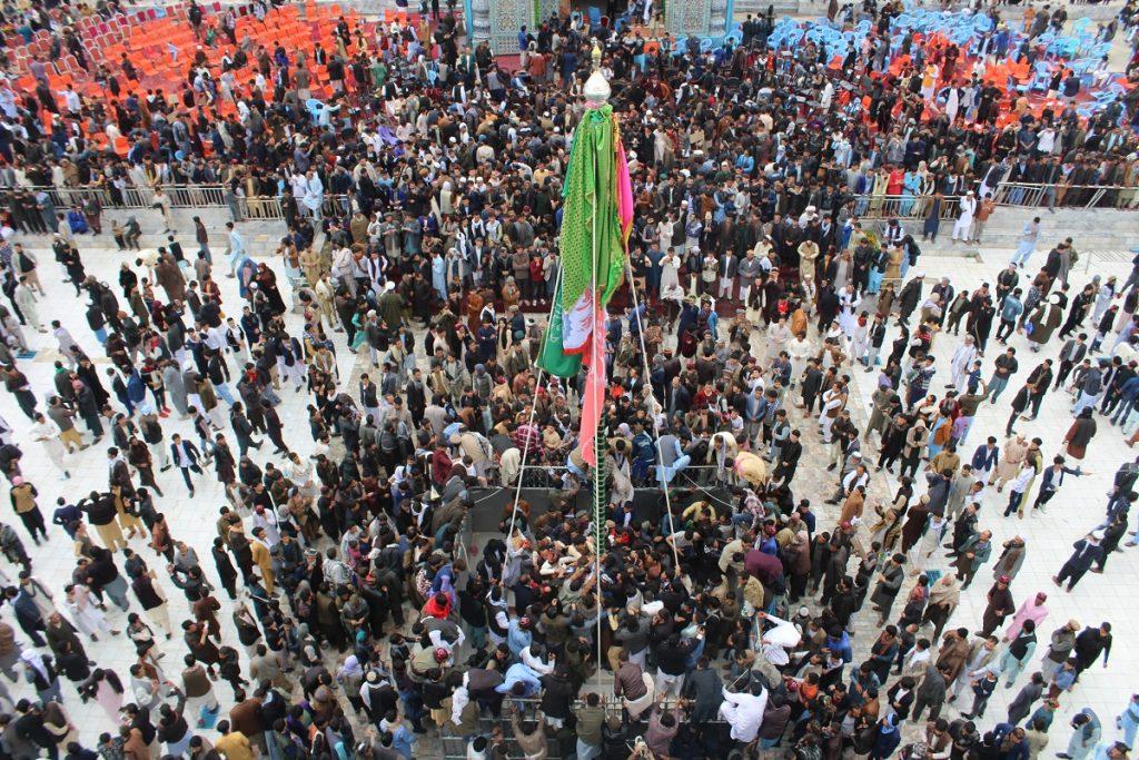 برافراشتن جنده 14 1024x683 - تصاویر/ برافراشتن جهنده در مزارشریف با حضور داشت رییس جمهور غنی
