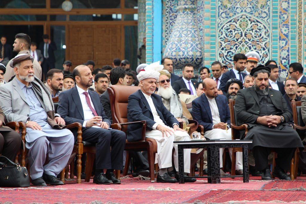برافراشتن جنده 7 1024x683 - تصاویر/ برافراشتن جهنده در مزارشریف با حضور داشت رییس جمهور غنی