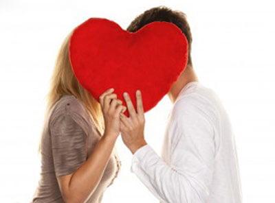 بوسیدن - لوسی فلورس: معاون ریيس جمهور مرا بوسید! + عکس