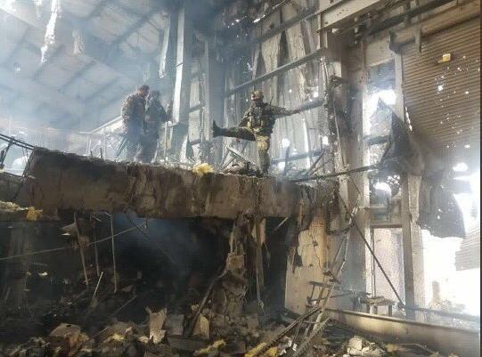 حمله طالبان هلمند 4 - تصاویری دلخراش از حمله طالبان بر پایگاه نظامی در هلمند(18+)