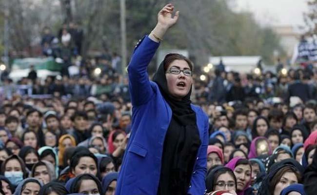 زن 1 - هشدار زنان افغان به طالبان؛ زورگویی پس از توافق صلح ممنوع!
