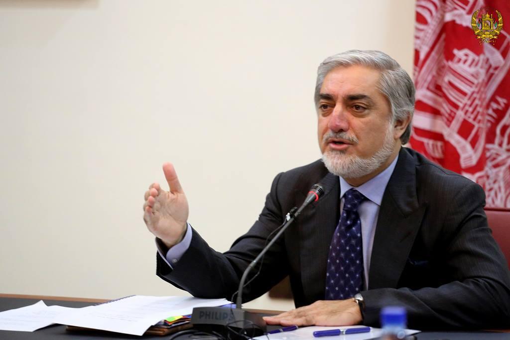 عبدالله عبدالله 1 - انتقاد عبدالله عبدالله از استفاده تبلیغاتی طالبان از مذاکرات صلح