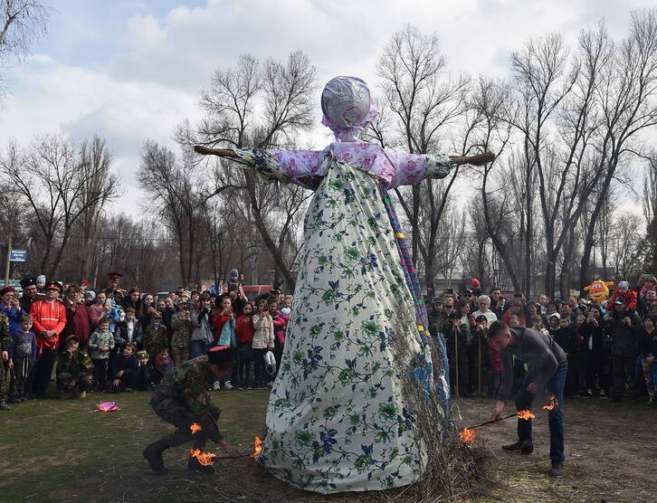مردم روسیه 7 - تصاویر/ خداحافظی مردم روسیه با موسم زمستان