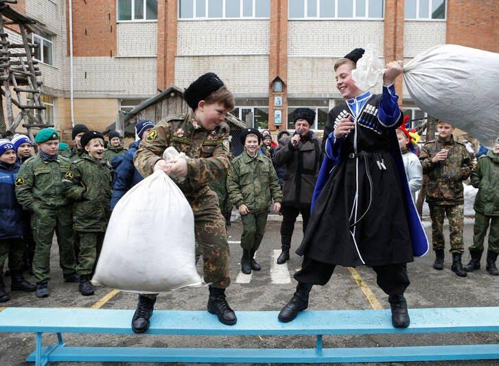 مردم روسیه 8 - تصاویر/ خداحافظی مردم روسیه با موسم زمستان
