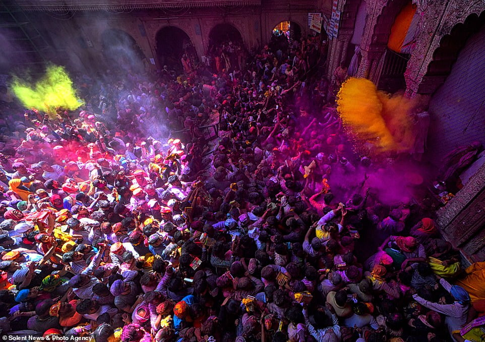 هولی 1 - تصاویر/ جشن ملیونها هندو به مناسبت فرا رسیدن بهار
