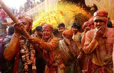 تصاویر/ جشن ملیونها هندو به مناسبت فرا رسیدن بهار