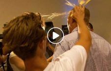 ویدیو استقبال سناتور آسترالیا تخم مرغ 226x145 - ویدیو/ استقبال گرم از سناتور آسترالیایی با تخم مرغ