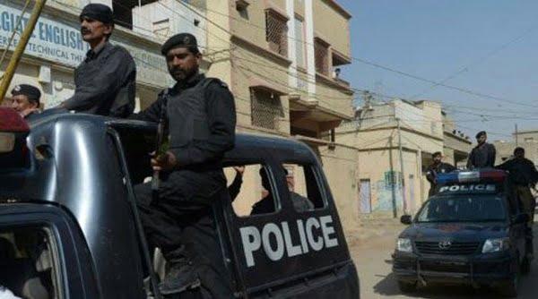 پاکستان - پولیس پاکستان ۸۴ مهاجر افغان دستگیر کرد