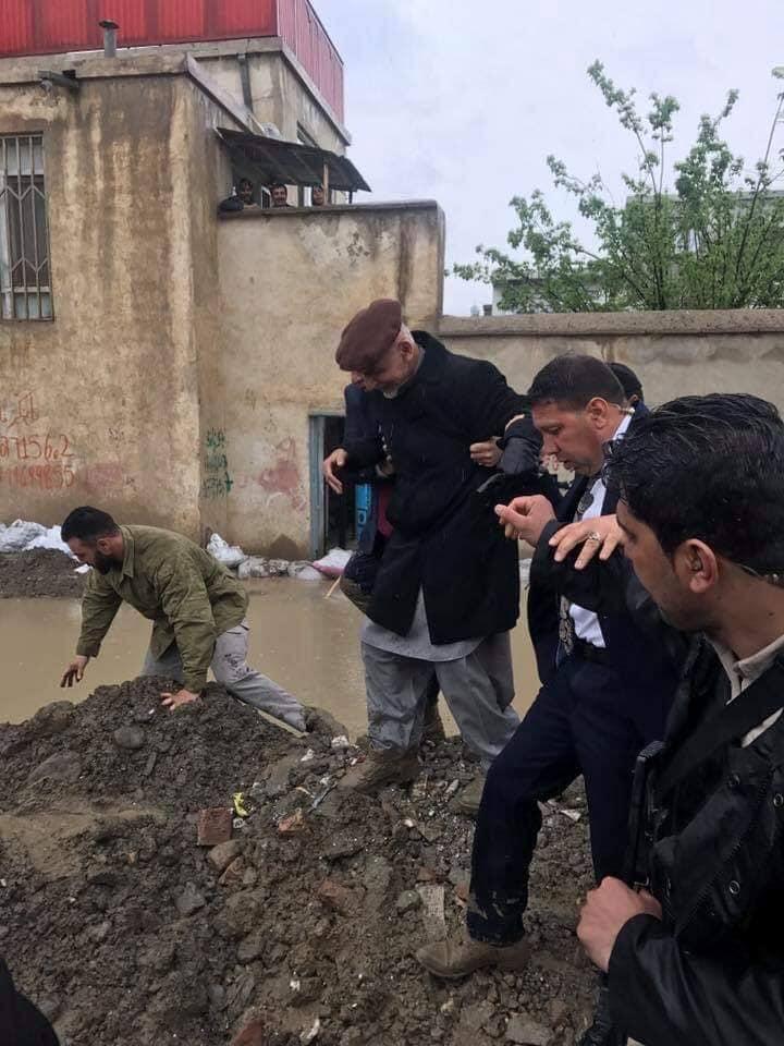 تصاویر بازدید رییس جمهور سیلاب کابل 1 - تصاویر/ بازدید رییس جمهور از محلات آسیب دیده سیلاب ها در کابل