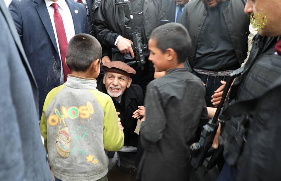 تصاویر بازدید رییس جمهور سیلاب کابل 18 - تصاویر/ بازدید رییس جمهور از محلات آسیب دیده سیلاب ها در کابل